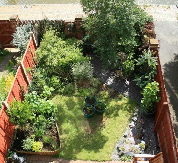 example small garden