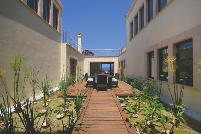 Luxury Villa Design Patio