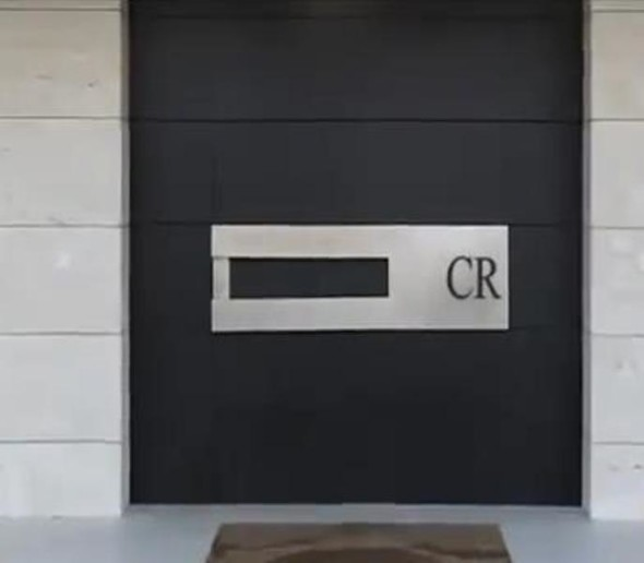 Logo Cristiano Ronaldo Mansion House