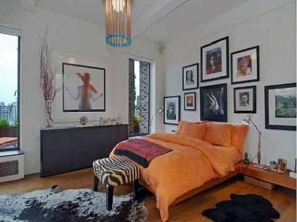 Jennifer Aniston Bedroom in New York City3x