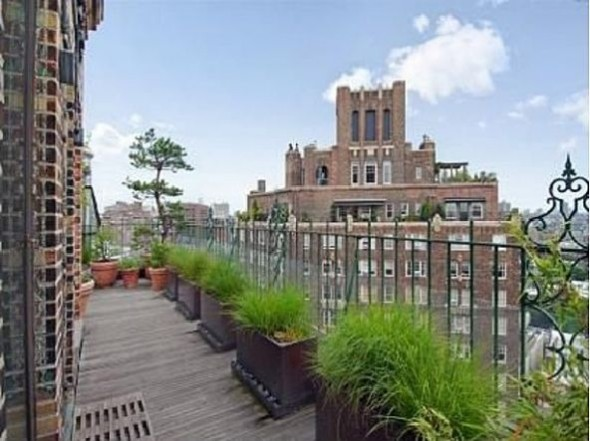 Jennifer Aniston Terrace New York City7g