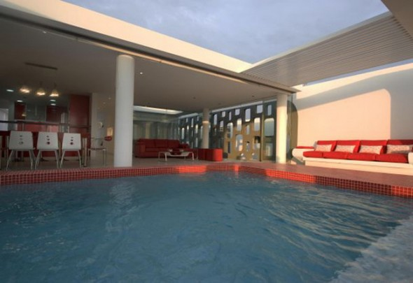 Villa Design in Peru-Pool