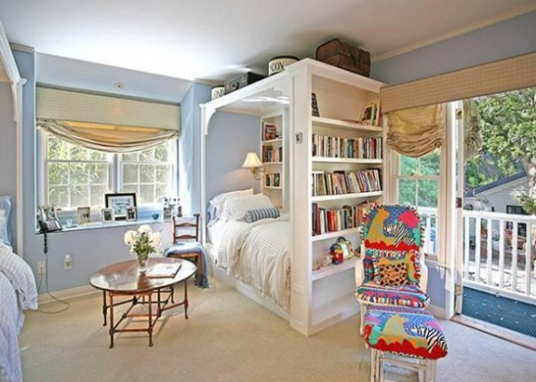 Taylor Swift Buys Beverly Hills Home-children bedroom