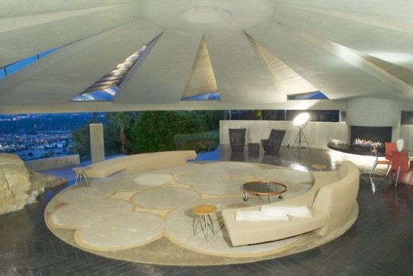The Elrod House by John Lautner livingroom from The Bond's Movie