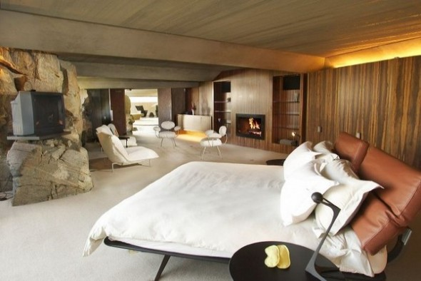 The Elrod House by John Lautner master bedroom from The Bond's Movie