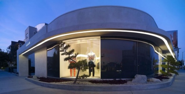 design the new Alexander McQueen, William Russell has designed the new Alexander McQueen store in Los Angeles