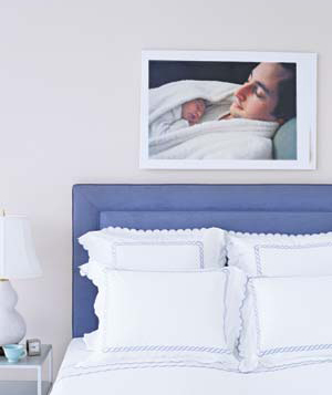 framing bed dad son Turn Photos Into Art