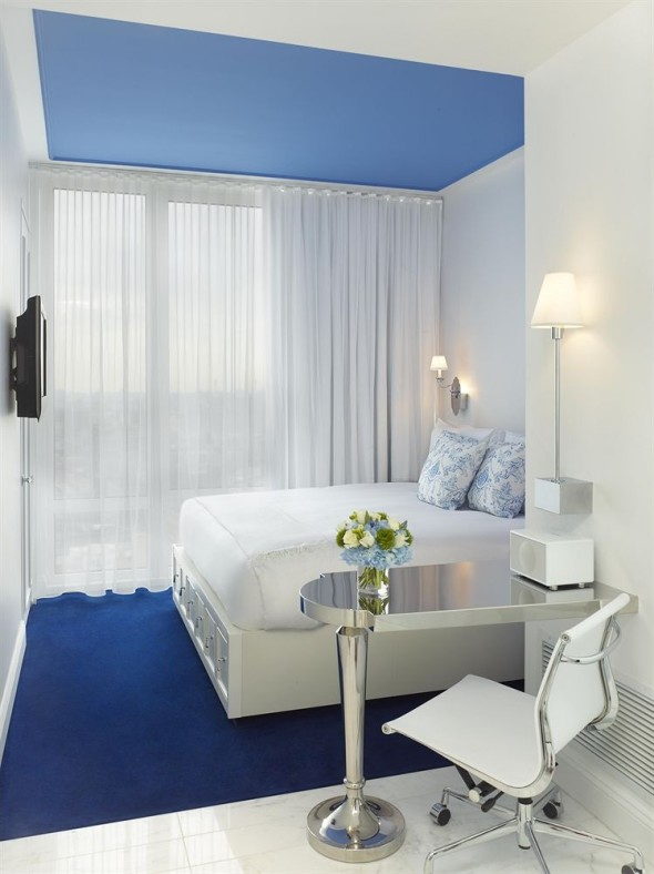 White Bed Mondrian Soho Hotel