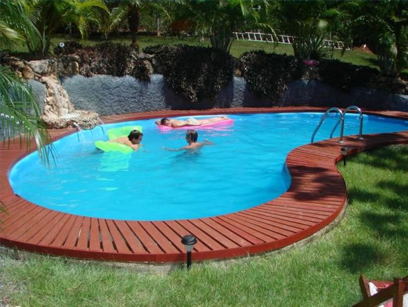 Cloudy Swimming Pool Water - Outdoor Pool Ideas