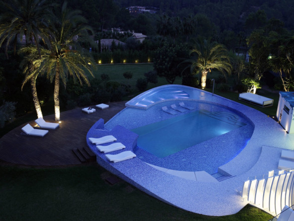 Modern Luxury Villa Design Swimming Pool