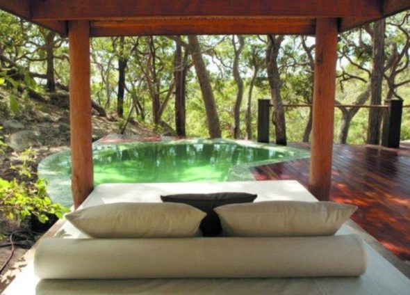 Natural Outdoor Pool Ideas