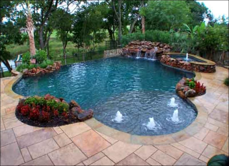 Swimming pool design equipment supplies outdoor pool for Outdoor pool decorating ideas