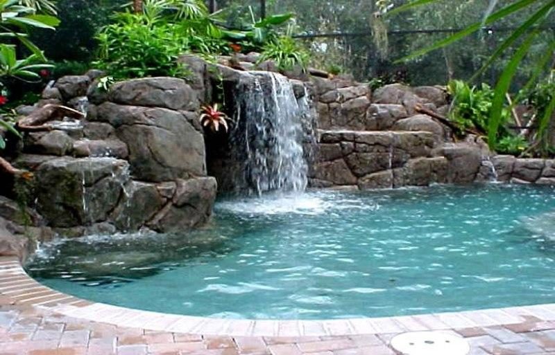 Swimming pool oasis outdoor pool ideas image covers for Garden oases pool entrance