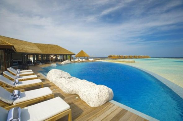 Lily Hotel Maldives - Pool Area