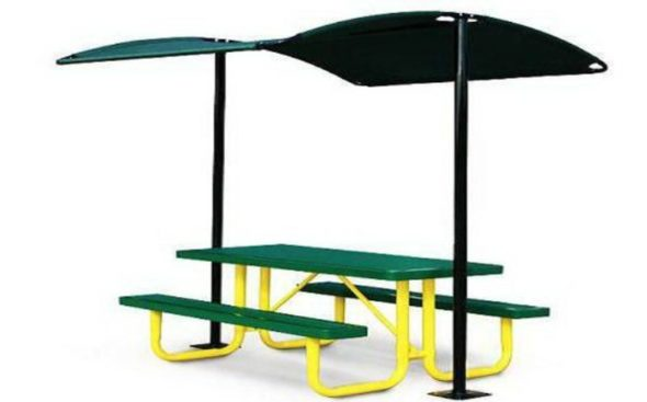 Picnic Table with Sunshade
