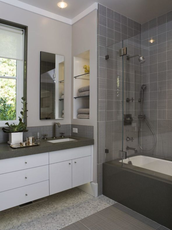 Weekend Retreat Bathroom
