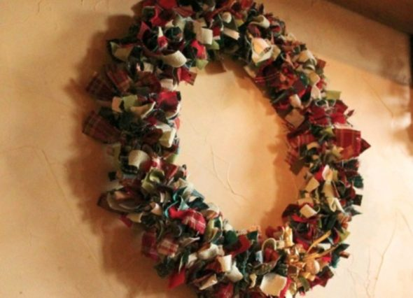 DIY Wreath- Christmas Details