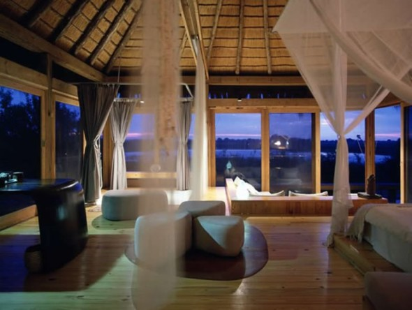 Amazing Lodge by Silvio Rech and Lesley Carstens