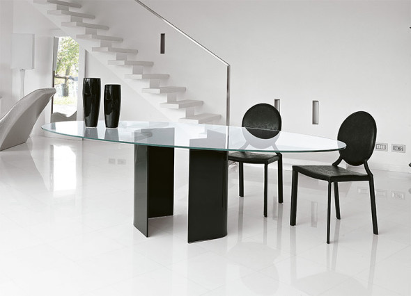 Unico Contemporary Glass Dining Table